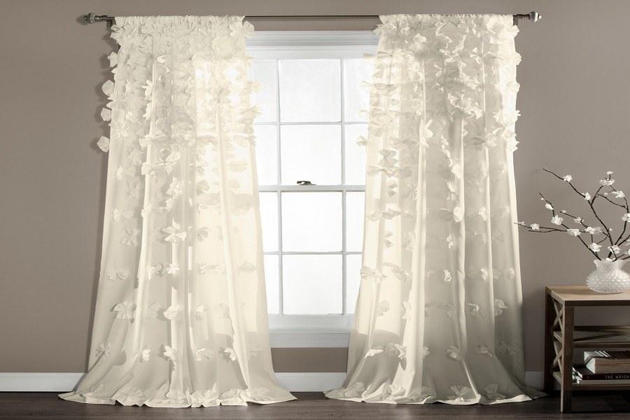 Rèm cửa vải với nhiều họa tiết