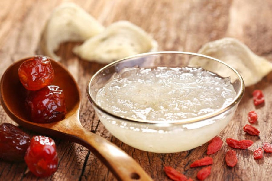 Bát yến chưng đường phèn và táo đỏ bổ dưỡng