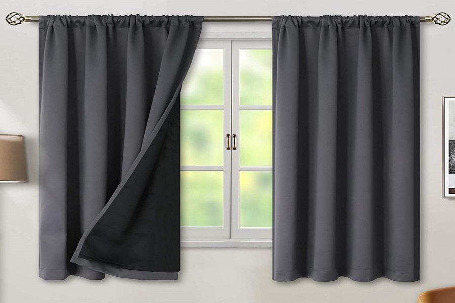 Thanh treo rèm dài hơn độ rojng cửa sổ