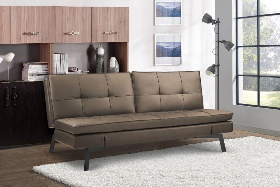 Ghế couch bị khuyết phần tay vịn so với ghế sofa