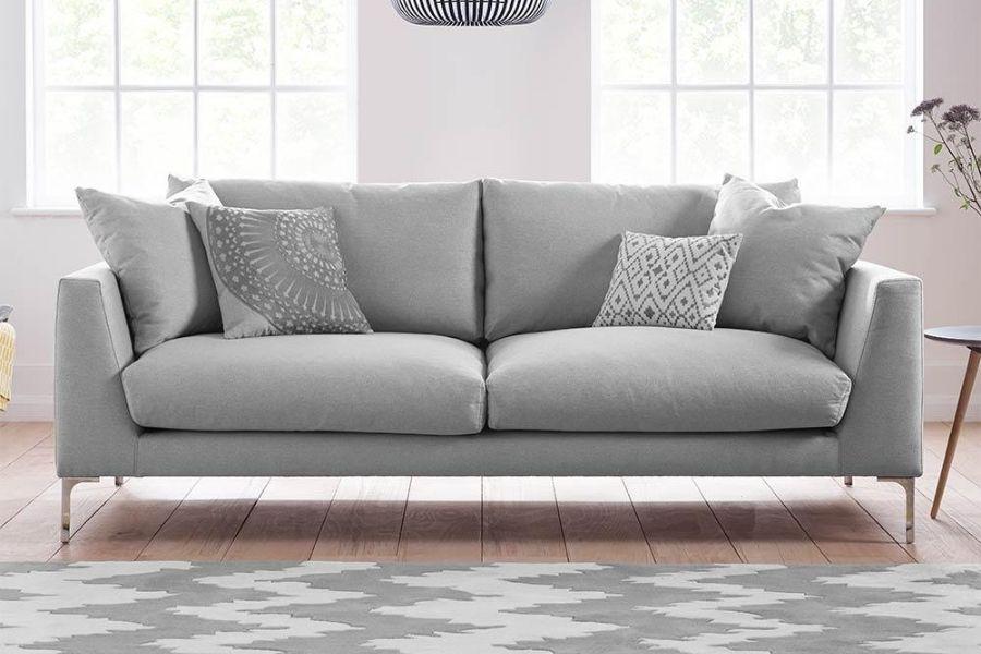 Ghế sofa màu bạc phù hợp với người mệnh Kinh