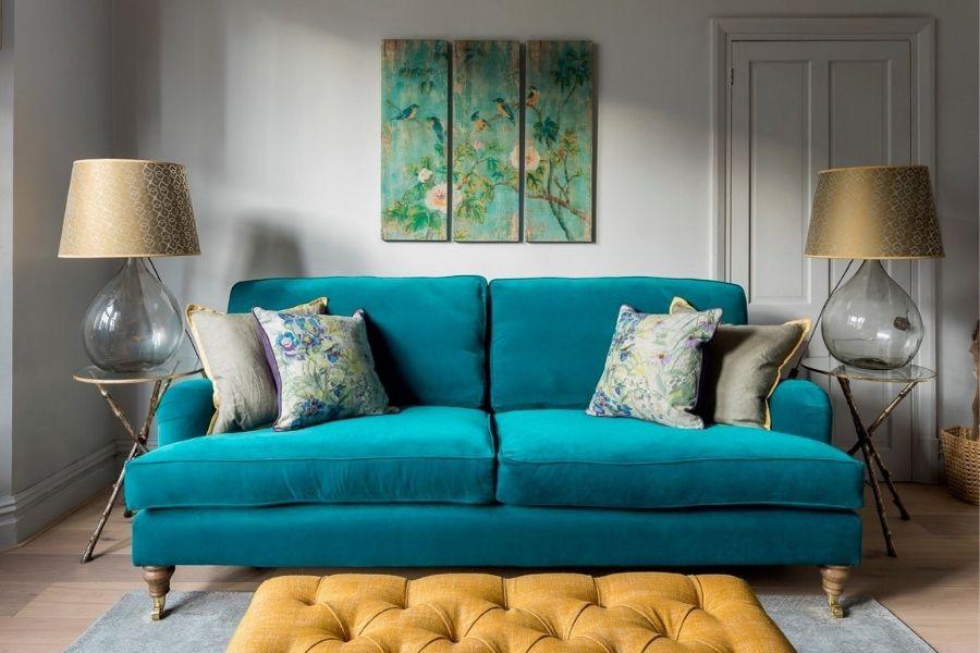 Ghế sofa màu xanh biển phù hợp với người mệnh Thủy