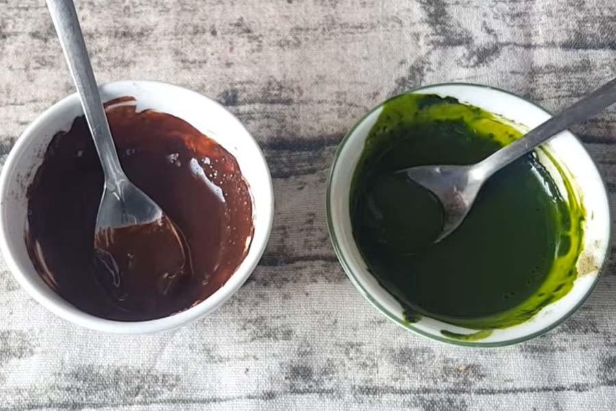 Hòa tan bột cacao và bột trà xanh