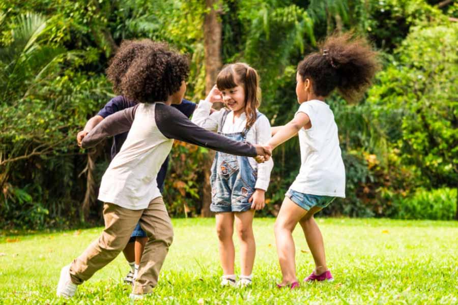 Khuyến khích trẻ tham gia các hoạt động thể dục, thể thao, ngoài trời