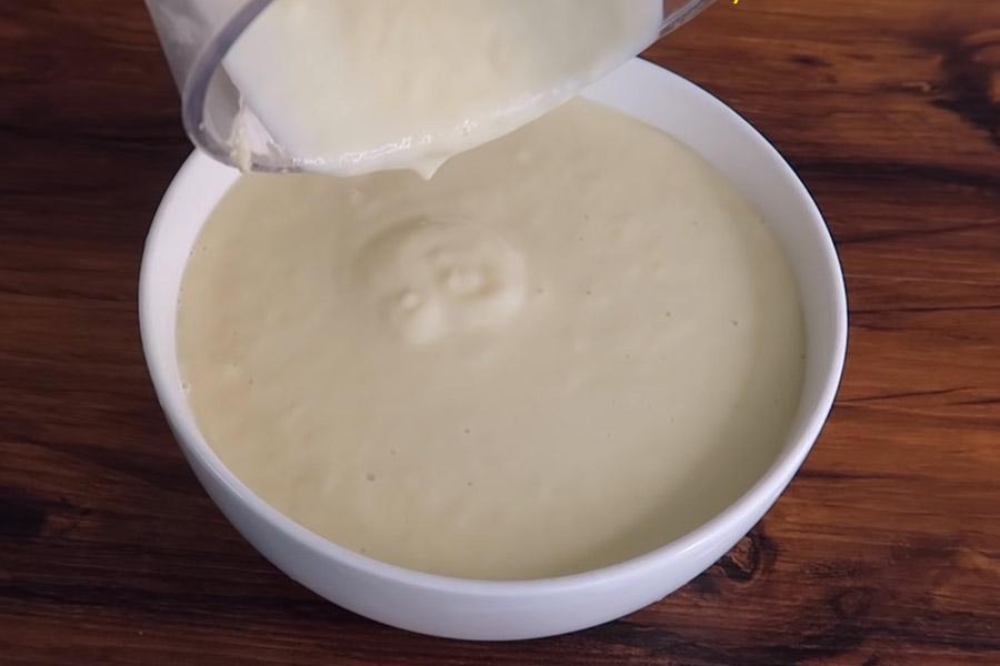 Làm sữa sầu riêng để ăn kèm chè thái