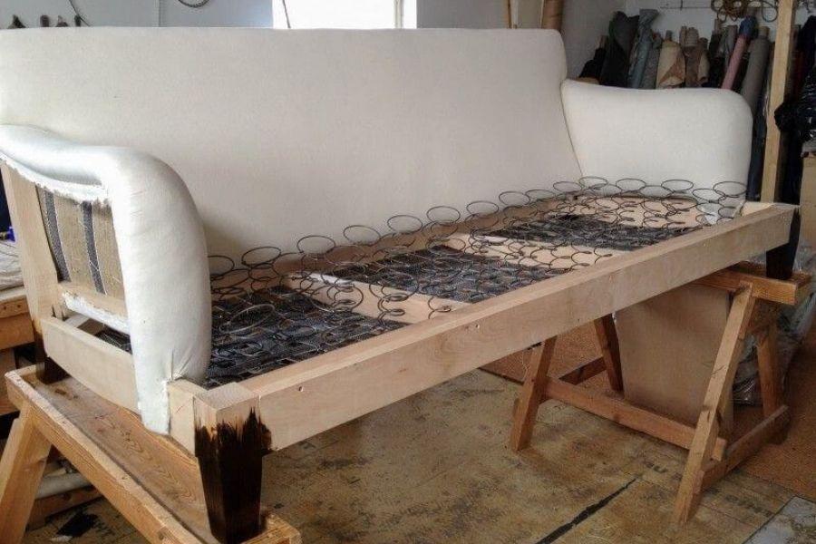 Phần lò xo đàng hồi trong sofa
