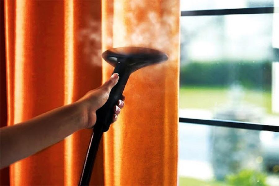 Giặt rèm cửa bằng chiếc máy hơi nước