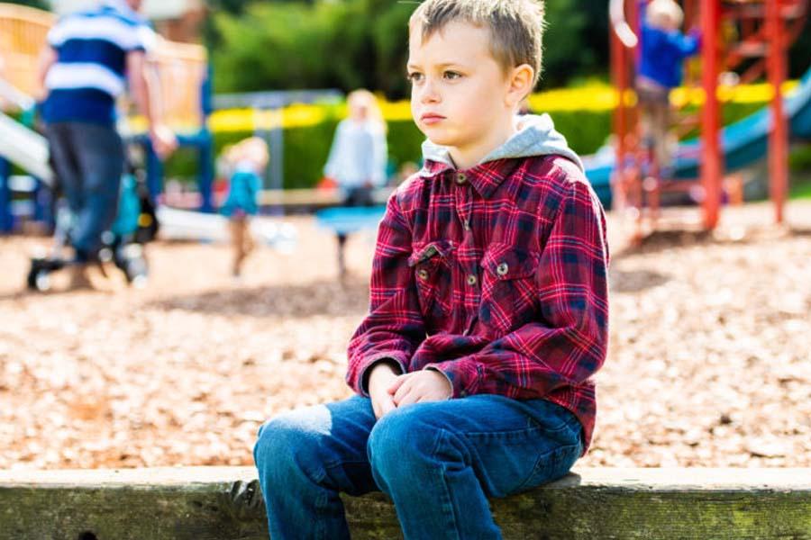 Trẻ tự kỷ không có xu hướng thích giao tiếp, tương tác với xã hội