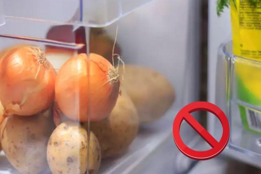Không nên bảo quản hành tây trong tủ lạnh và để gần khoai tây