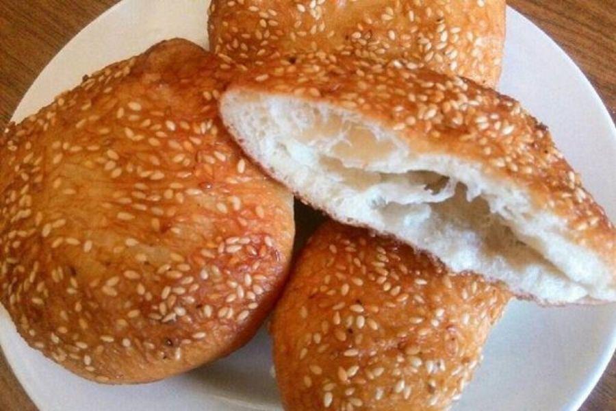 Bánh tiêu có màu nâu cam nhìn đẹp mắt