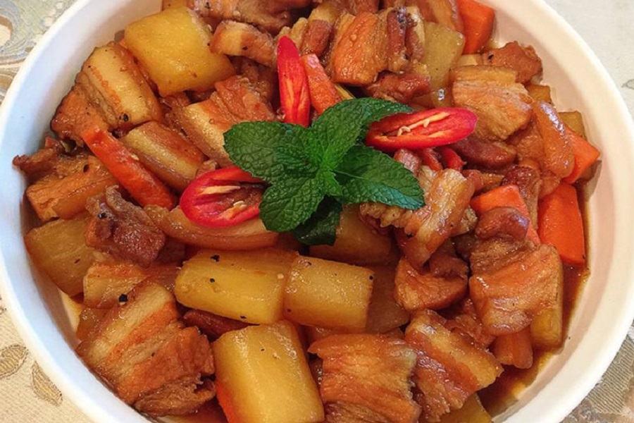 Món củ cải tráng kho thịt hấp dẫn