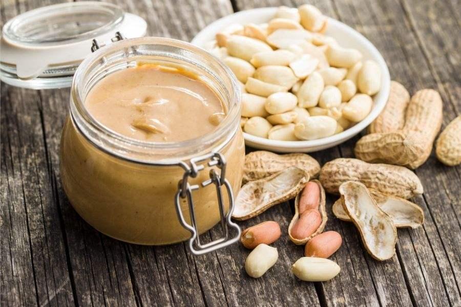 Đậu phộng và bơ đậu phộng có nhiều giá trị dinh dưỡng à công dụng với sức khỏe