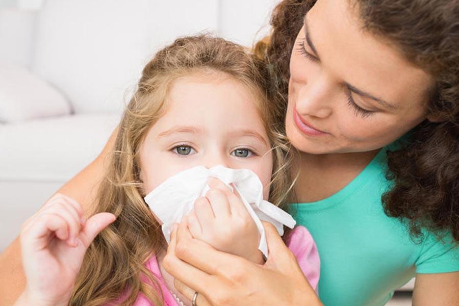 Hĩ mũi cho trẻ đúng cách