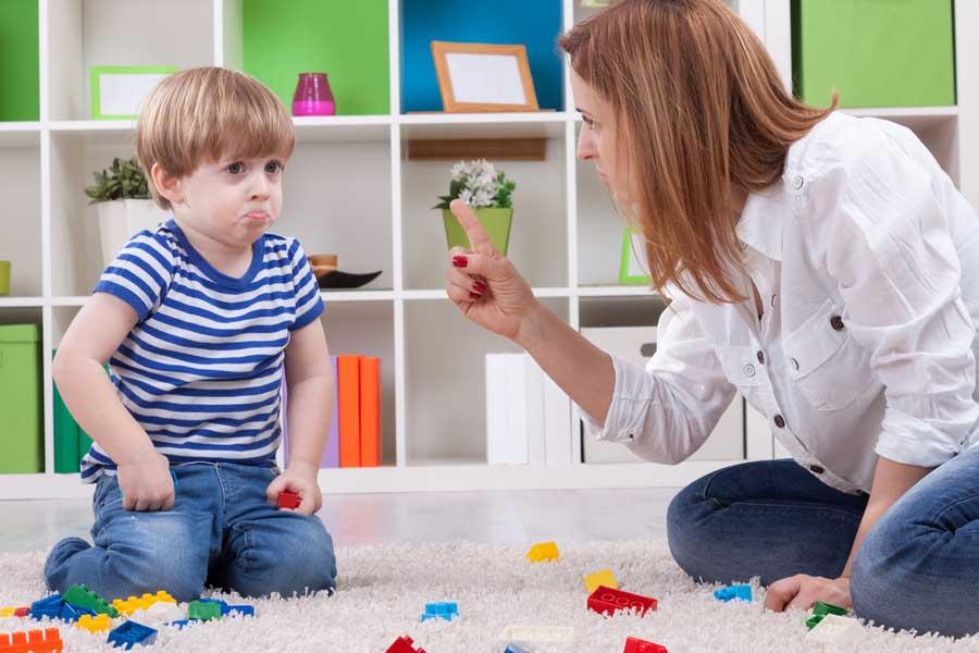 Không kiên nhẫn trong việc dạy bé cách đánh vần