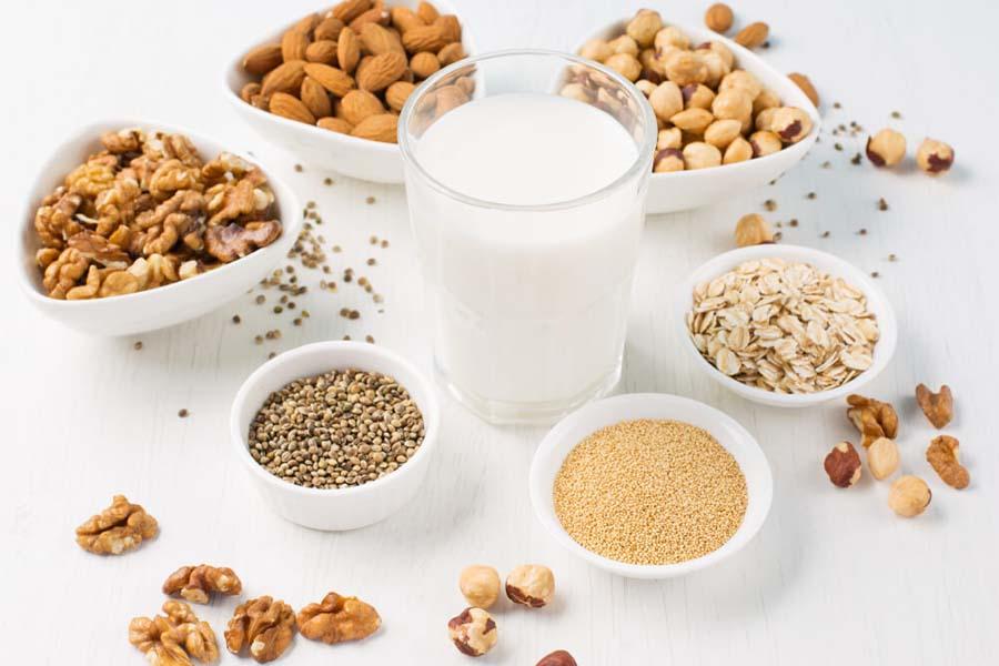 Không tự ý trộn thêm các loại thực phẩm như yến mạch, ngũ cốc váo sữa cho trẻ sơ sinh
